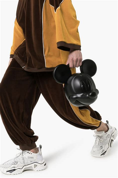 Gucci releases a 4500$ Mickey Bag – Fashion Inspiration