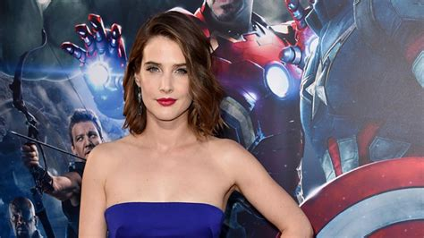 Cobie Smulders Reveals She Was Diagnosed With Ovarian