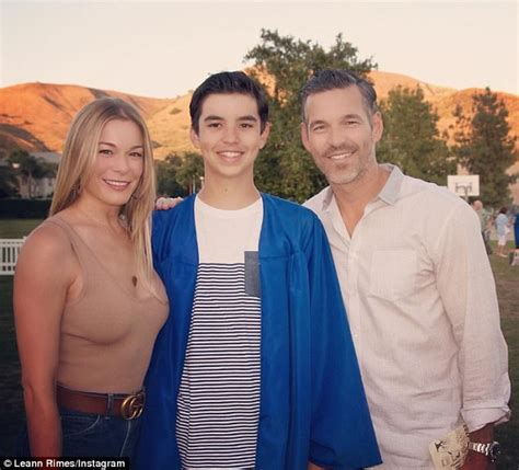LeAnn Rimes and Eddie Cibrian keep distance from his ex