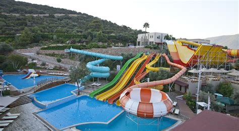 20 Waterpark Hotels that you need to visit this year