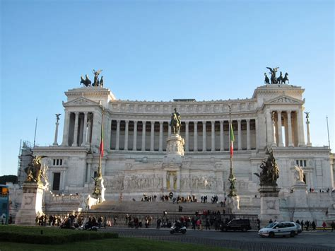 Palazzi, Monuments and Churches - Our First Day in Rome