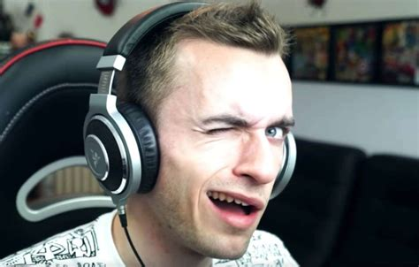 Squeezie : Poop In My Soup, What's under your Blanket