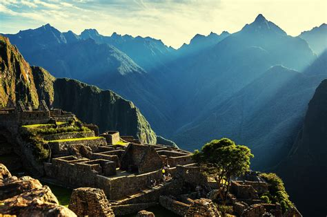 Guide to Machu Picchu: Mysterious Beginnings and Modern-day