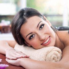 Happy Ending Massage Parlour in Delhi By Female to Male