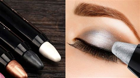 How to Apply Eyeshadow Perfectly Using Pencil | Step by