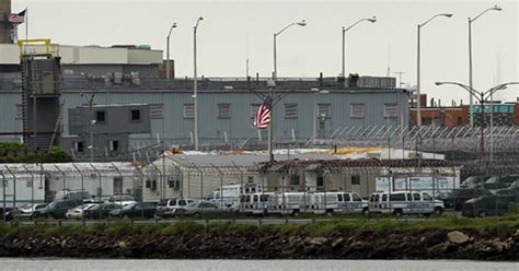 5 Rikers Island jail guards convicted in inmate's beating