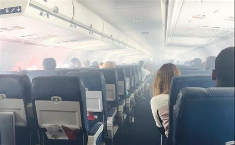 Old Delta MD88 Fills With Smoke In Flight - Points Miles